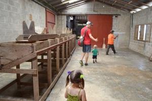 Hand-sorting bench